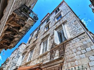 Old Town Finest - Two-Bedroom Apartment (4 Adults) - Prijeko Street, Dubrovnik
