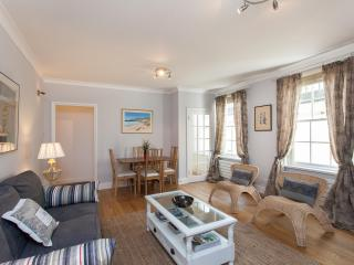 Charming 1 Bedroom Apartment at Paddington with Wifi, Londres