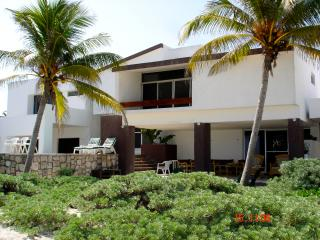 Cocal Josefina Beachfront house, Chicxulub