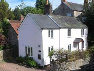 ROSE COTTAGE, link-detached period cottage, woodburner, off road parking, patio, in Chard, Ref 14229, Tatworth