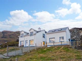 AN NEAD HOUSE, detached, open fires, views of Atlantic Ocean, off road parking, in Kilcar, Ref 20729