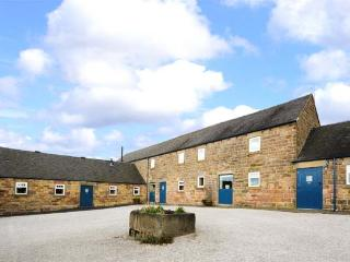 POTTS COTTAGE, part of the Chatsworth Estate, pet-friendly, woodburner in Shottle Ref 9207