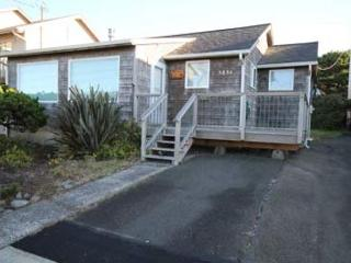 189 RUSSELL'S ROOST - Ocean View Cottage Near Beach and Casino, Lincoln City