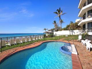 Heated Pool & Spa Overlooking Beach