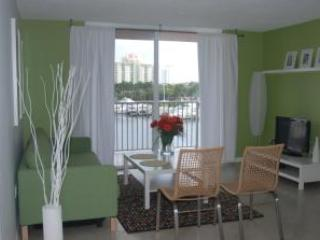 The Yacht Club At Aventura. 1 Bedroom Waterfront 2