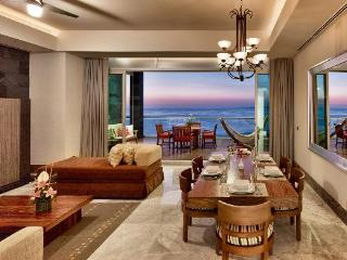 Grand Luxxe Nuevo Vallarta: 3140 sq. ft 2 BR Villa