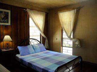 1896 Bed and Breakfast BAGUIO CITY – Mabini Room, Baguio