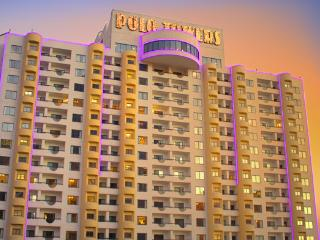 LAS VEGAS     {1BR Condo}       Polo Towers Resort