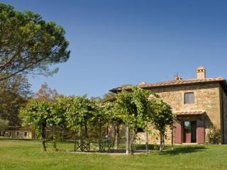 Villa Rocchetto, Lucignano