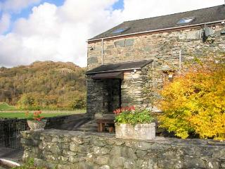 SEATHWAITE LODGE, barn conversion with wonderful views, en-suite, patio, close w