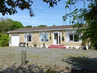 BLOOMFIELDS, pet-friendly, all ground floor, welcoming cottage near Duncannon Ref. 30437
