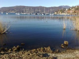Lago Maggiore appartamento direttamente sul lago, Monvalle
