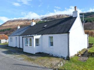 ACHNAFALNICH, pet-friendly single-storey detached cottage with open fire
