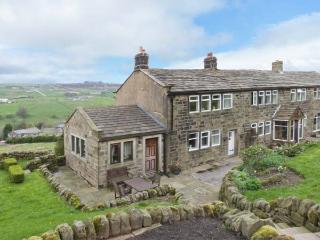 ROYDS HALL COTTAGE, semi-detached, woodburner, off road parking, patio, in Haworth, Ref 912326