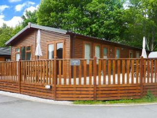 LEASIDE LODGE, detached, single storey, WiFi, furniture on decking, Ref 913263, Troutbeck Bridge