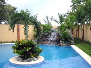 Great Two Bedroom Condo, Tamarindo