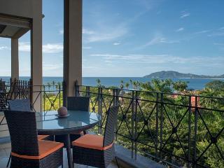 Incredible oceanfront 2 BDR property overlooking Tamarindo Bay MAT502