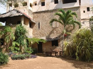 Fatuma's Tower Top Apartment (2X), Lamu Island