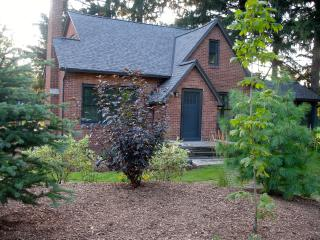 Private Upscale Home on 10 Acres of Wooded Prairie, South Haven