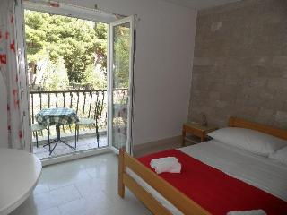Studio Apartment Angelo in Bol's centre