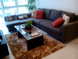 Feel @ Home Modern 1BR wifi, Taguig City