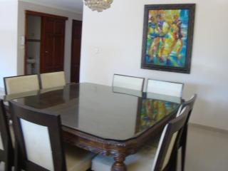 Ample newly remodeled Bella Vista 3 Bedroom, Santo Domingo