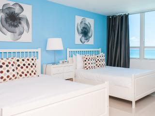 Design suites at Castle Beach- Ocean view, Miami Beach