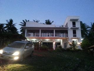 Villa Violeta Vacation BeachHouse  Laiya  Batangas, Sawang