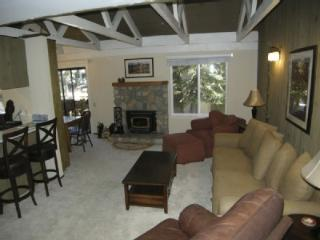 Cozy 1 BR/Loft Condo Close to Village - Blue Line, Mammoth Lakes