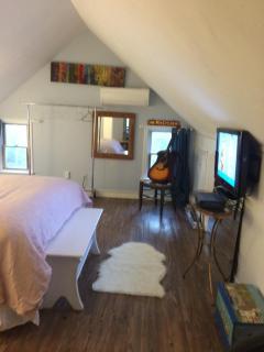 third floor guest bedrooms : 2 queen beds