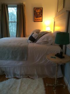 second floor guest bedroom: queen bed