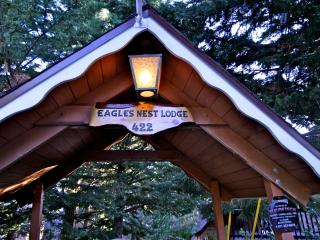Street entrance to the Eagles Nest Lodge