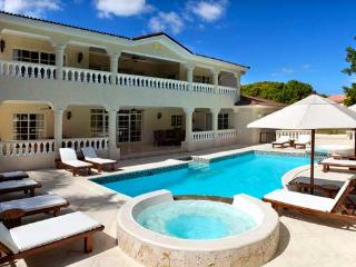 Lifestyle Luxury 6 Bedroom Villa VIP Services