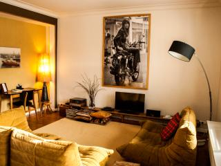 Aplace Antwerp: splendid first floor city flat with a gorgeous view - located in the fashion district area, Anversa