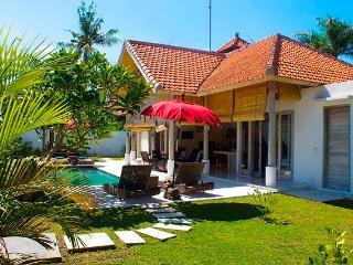 Villa Mimpi / Peacefull 2BDR, Canggu
