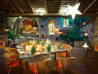 la vieille maison - halte gourmande chambre bleue, Tornac