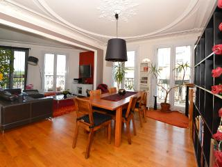 Charming flat near Paris - group, Boulogne-Billancourt