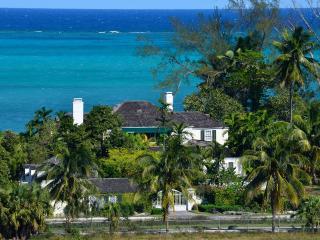 Exclusive Six-Bedroom Beachfront Estate with Private Pool !, Nassau