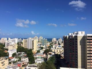 Penthouse with Breathtaking Ocean Views! Perfect for Families and Groups, San Juan