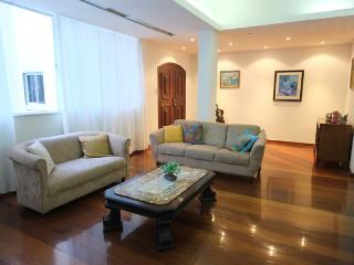 Amazing 3 bedroom apartment on Av. Atlântica