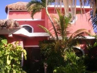 Bed and Breakfast in Mexican Villa, near beach, experience life like a local