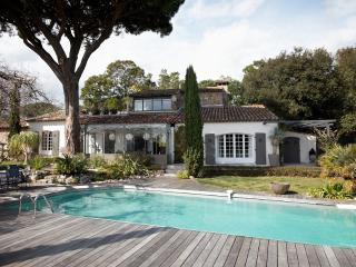 Villa Ombre- Large St Tropez Holiday Rental with Pool, AC, and Near Beach