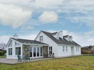 ROUNDSTONE, detached cottage, four bedrooms, open fire, woodburner, enclosed