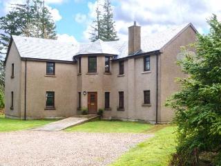 KEIL VIEW HOUSE, indoor swimming pool, sauna, garden, en-suites, open fire