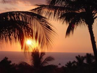 Spectacular Sunsets from 3 BR Top Floor Ocean View Condo - Country Club Villas - Keauhou, Kailua-Kona