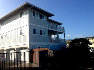 Ohana Pili Kai Beach House: Amazing North Shore Single Family House Across From Beach/Beach Park, Waialua
