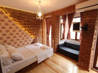 Lovely&Cheap Studio in Taksim / Vintage House