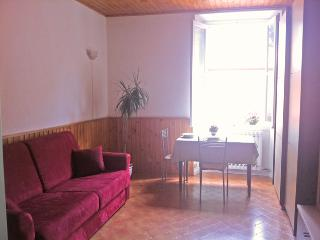 Lake Como, rental studio apartments: left apartment