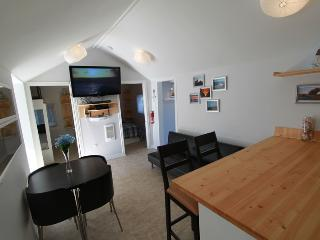Beach1,com - Plovers Cove Cottage, Wasaga Beach
