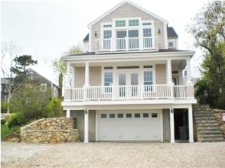 BEAUTIFUL, CENTRAL AIR, WALK TO NEW SILVER BEACH! 121780, Falmouth